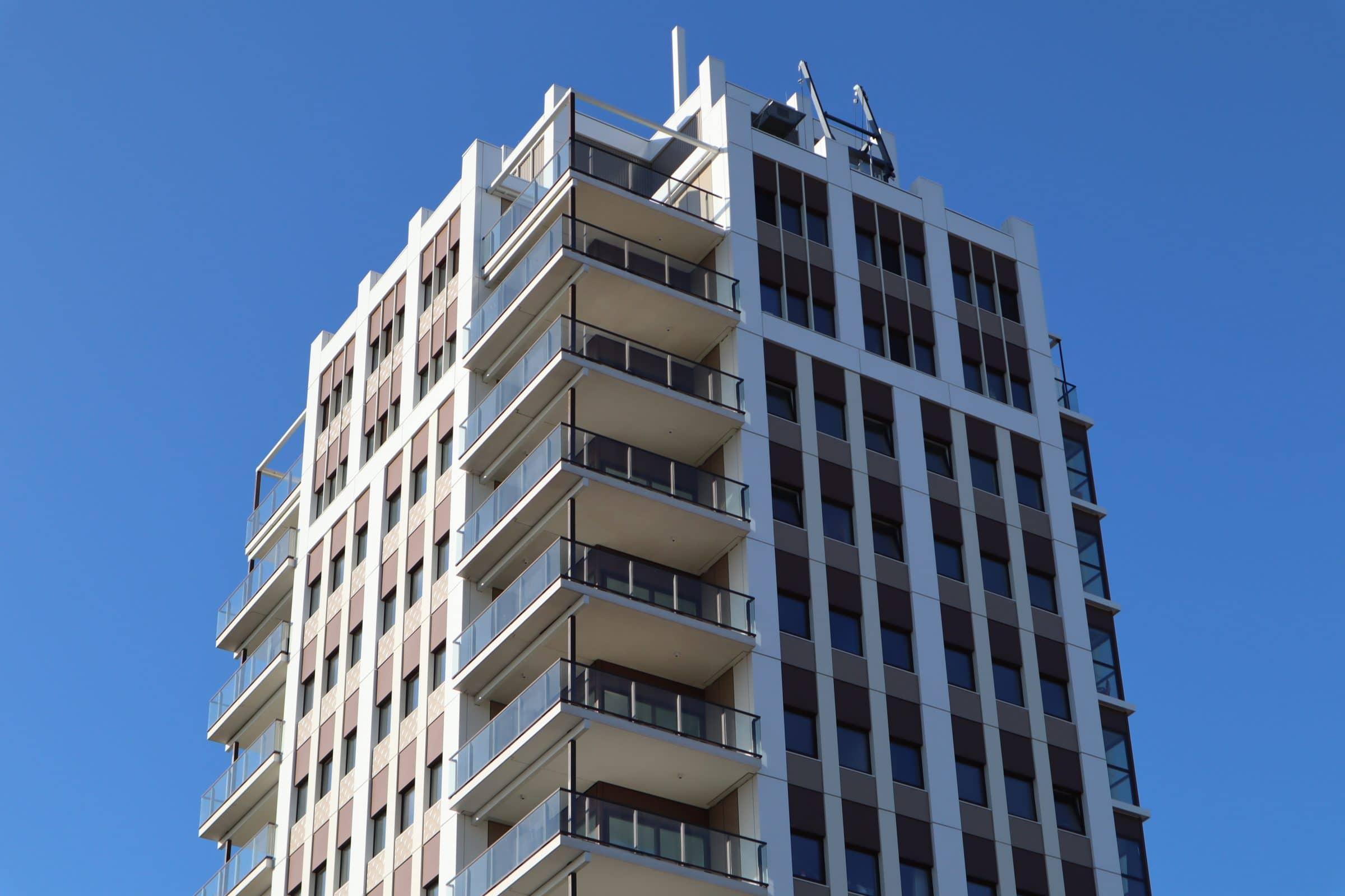 Lightweight slender balconies